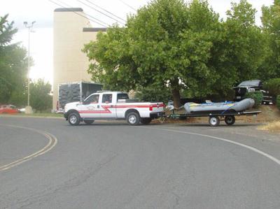 Trasladan lancha luego de rescate