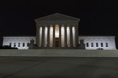 Corte Suprema autoriza restricciones de Trump al asilo