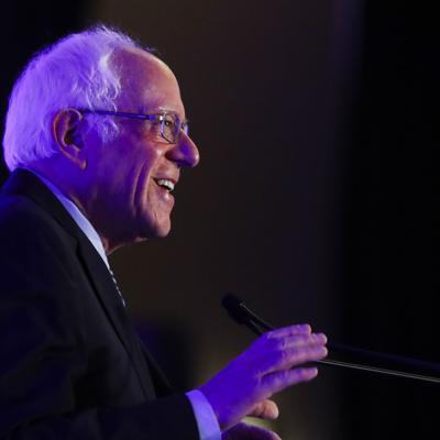 Bernie Sanders llega como puntero a otro debate demócrata