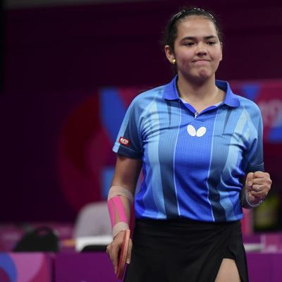 Debuta en China Adriana Díaz