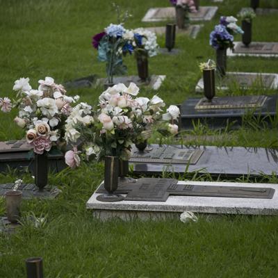Cementerios abrirán por el Día de la Recordación