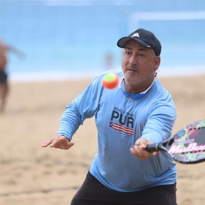 """Crece la """"fiebre"""" por el tenis de playa en Puerto Rico"""