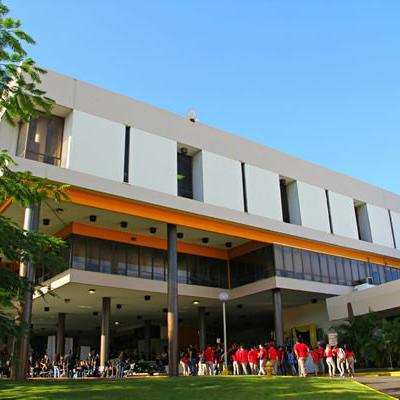 Estudiantes de UPR Arecibo aprueban paro de 48 horas