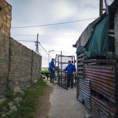 Aislan barriada en Buenos Aires por foco de coronavirus