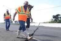 Inspeccionan puente de la carretera PR-116