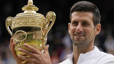 Novak Djokovic reina en Wimbledon y provoca un triple empate