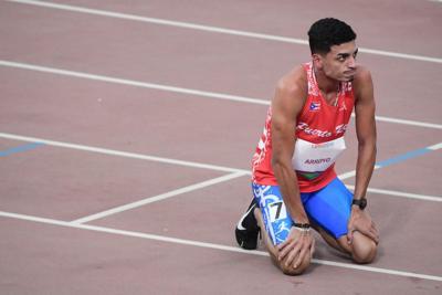 Andrés Arroyo finaliza décimo en los 1,500 metros