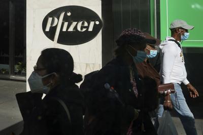 BioNTech y Pfizer piden a regulador europeo que autorice su vacuna