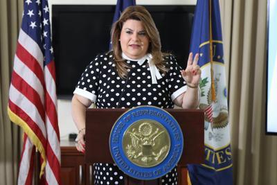 Comisionada se distancia de investigaciones federales en la Cámara