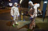 Carolina desinfecta calles para prevenir contagio de Covid-19