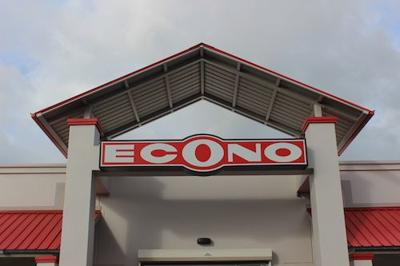 Econo cierra supermercado de Rincón