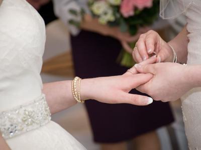 Orden en caso de matrimonios del mismo sexo
