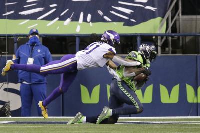 Magia de Wilson rescata a Seahawks 27-26 ante Vikings