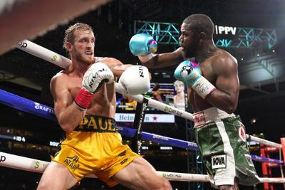 Logan Paul aguanta ante Floyd Mayweather en su combate de exhibición