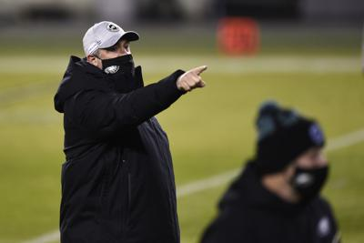 Eagles despiden al entrenador Doug Pedersen
