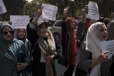 El Talibán le dice a funcionarias de Kabul que se queden en casa