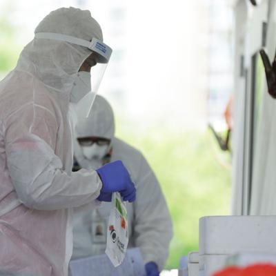 Salud reporta 14 muertes y 452 casos adicionales de covid-19