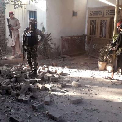 Bombas contra los talibanes matan a un niño y a otro civil en Afganistán