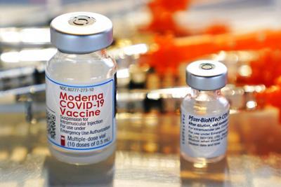 Los CDC aprueban las dosis de refuerzo de las vacunas de Moderna y Johnson & Johnson