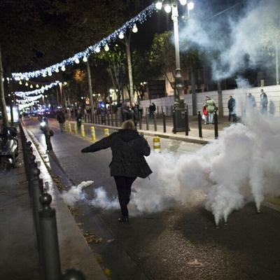 Francia: Decenas de miles protestan contra ley de seguridad