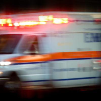 Conductor muere tras chocar contra una palma en San Juan