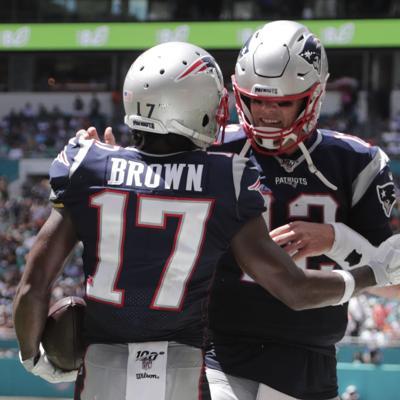 Antonio Brown debuta con touchdown en paliza de Patriots a Miami