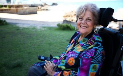 Sandra Zaiter sufre accidente leve de auto