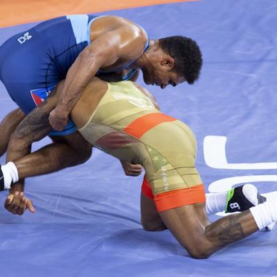 Luchadores van por el boleto a las Olimpiadas