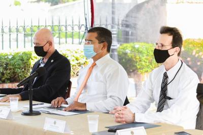 FEMA imparte taller de preparación para huracanes al gobernador