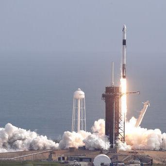 SpaceX completa última prueba de su cápsula para tripulación