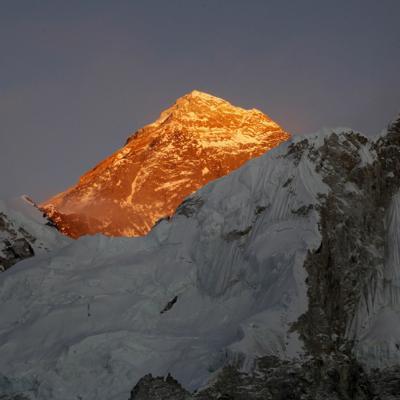 Un estadounidense y un suizo son las primeras víctimas del año en el Everest