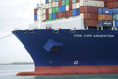 Déficit comercial de EEUU alcanza otro récord