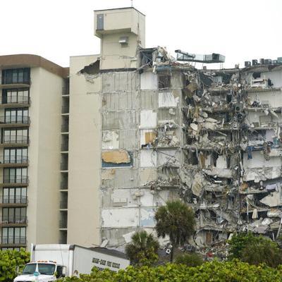 Buscan a seis boricuas en el edificio que colapsó en Miami