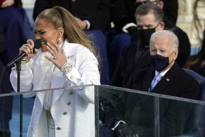 Jennifer López se deja sentir en español