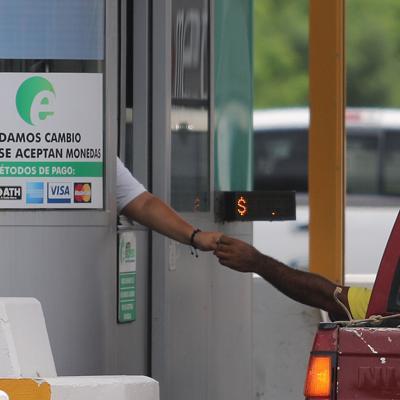 Proponen eximir vehículos de emergencia del pago de AutoExpreso