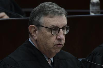 Desestiman demanda contra un abogado