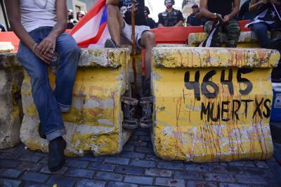 Remueven vallas de concreto frente a La Fortaleza