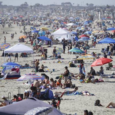 Abarrotan parques y playas en fin de semana feriado en Estados Unidos