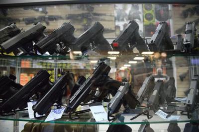 El Departamento de Justicia de Estados Unidos lanza una campaña contra el tráfico de armas