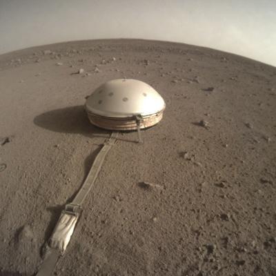 Explorador de la NASA confirma sismos en Marte
