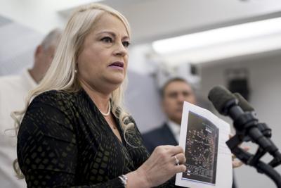 Gobernadora firma órdenes ejecutivas para mitigar situaciones por sismos