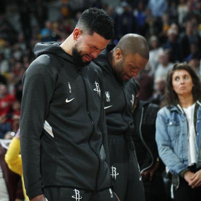 Juegos en la NBA rinden honor a Kobe Bryant