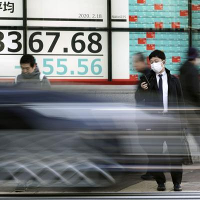 Rusia prohíbe entrada de chinos por temor a virus