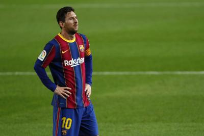 Técnico del Barcelona sale en defensa de Messi