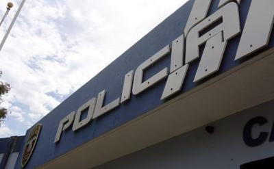 Arrestan a individuo que lanzó bloque de hormigón a patrulla
