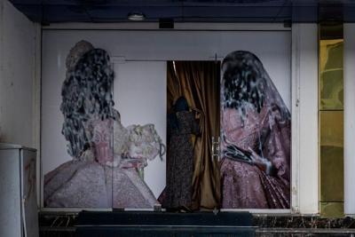 Los talibanes dicen que permitirán la educación superior para las mujeres
