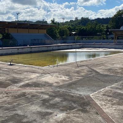 Piden a DRD reparar piscina olímpica de Arecibo
