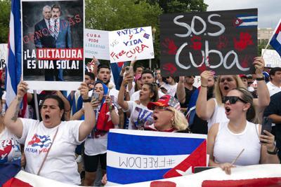 Denuncian juicios sumarios a detenidos en las protestas en Cuba