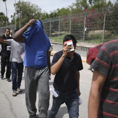 """EEUU rescinde política de """"tolerancia cero"""" en la frontera"""