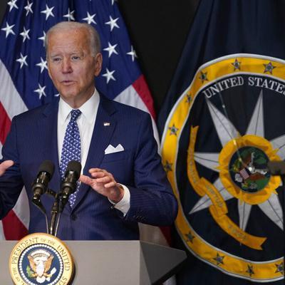 Joe Biden está considerando la vacunación obligatoria para los empleados federales